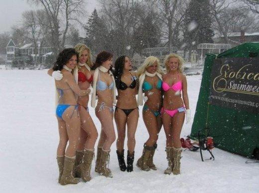 зимой голые фото