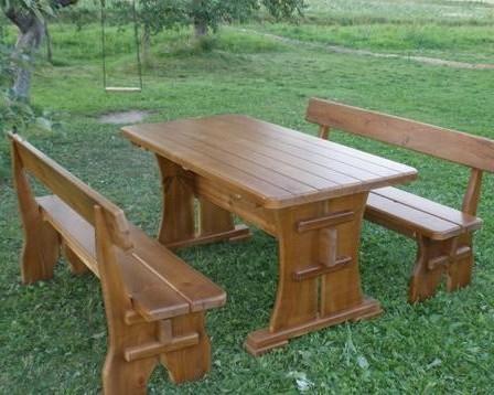 Скамейки и столы из дерева