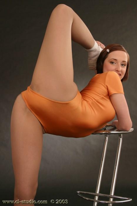 Фото молодых гимнасток в трусиках — 9