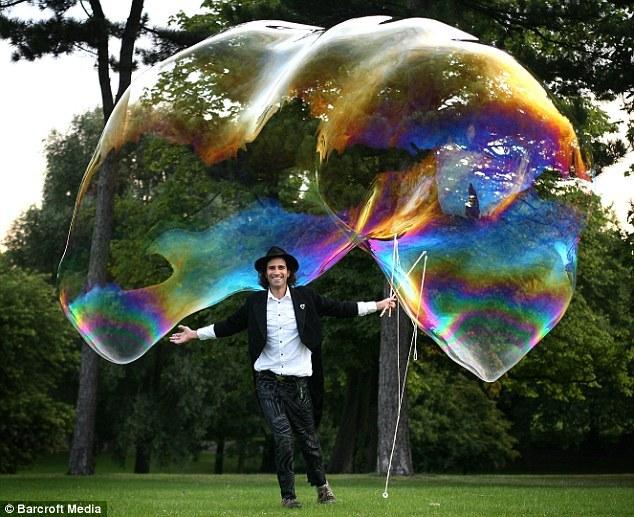 Большой мыльный пузырь своими руками
