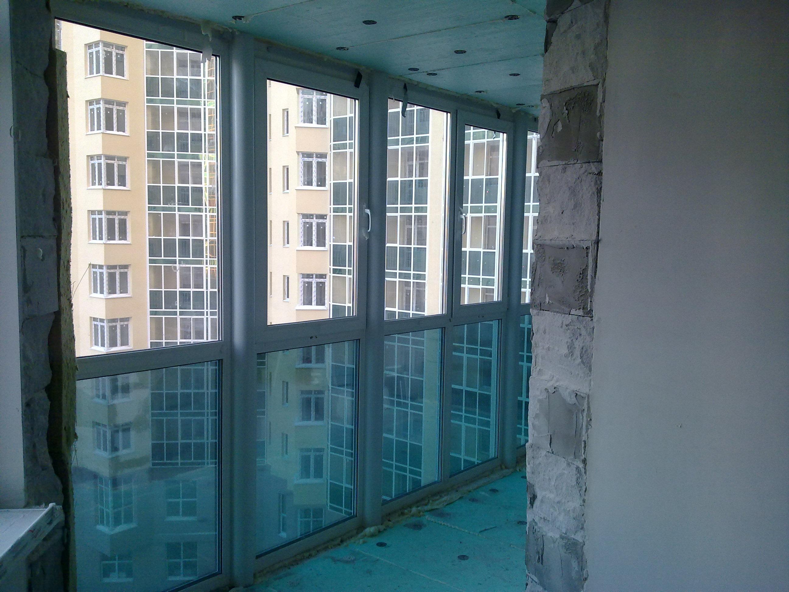 Остекление балконов и лоджий. французские окна (порталы ). ц.
