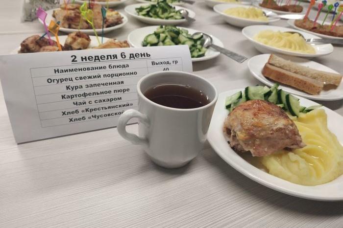 Российских студентов предложили кормить бесплатно