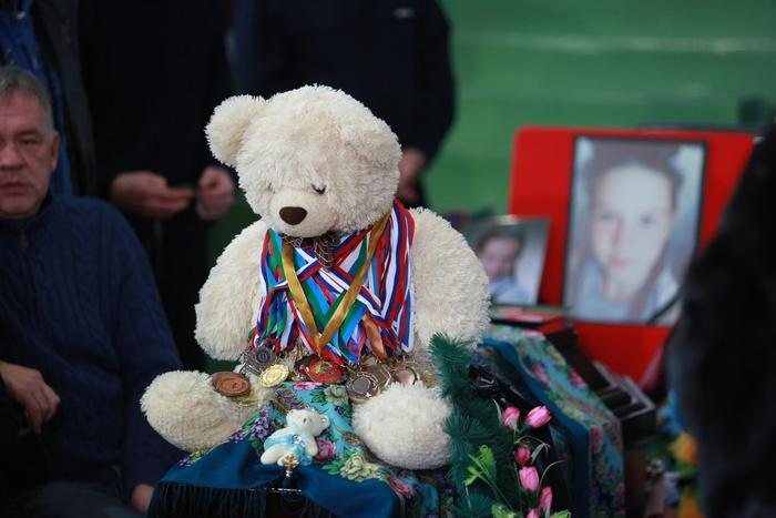 Погибшую вДТП вХМАО тренера детской команды похоронят вСвердловской области