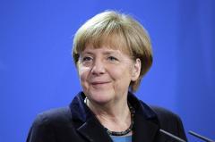 Меркель заявила о необходимости санкций в отношении России