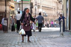 Грузовая «Газель» задавила инвалида на костылях в Североуральске