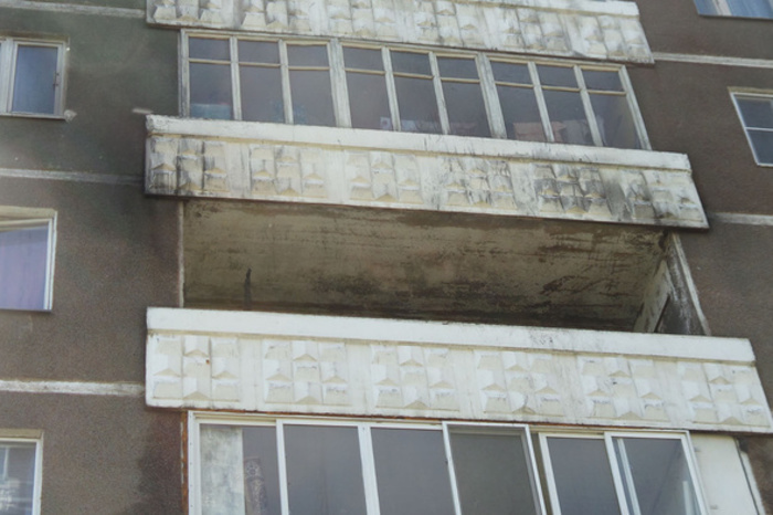 «Недали опохмелиться». Пьяная женщина выпрыгнула с 5-ого этажа