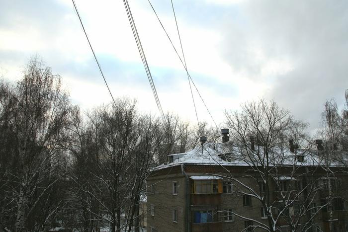 ВЕкатеринбурге, очищая козырек балкона отснега, умер мужчина