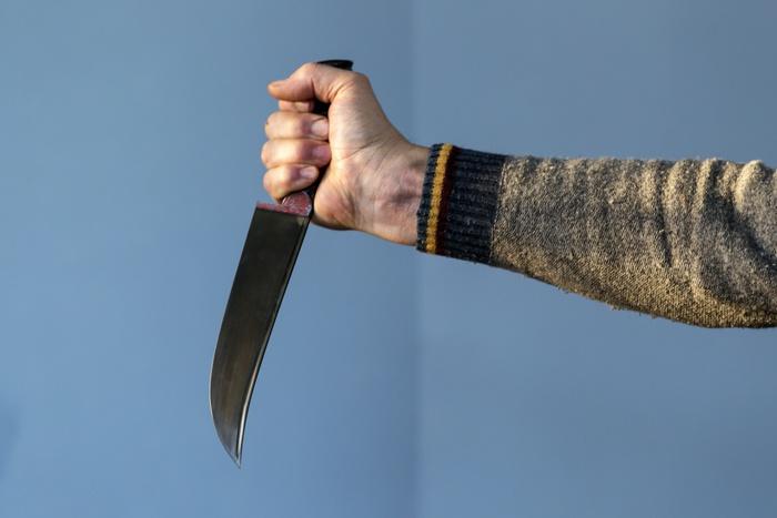 Напроходной завода «ВИЗ-Сталь» мужчине воткнули вшею нож