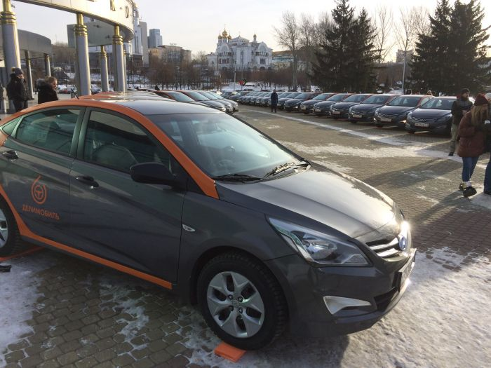 ВЕкатеринбурге заработал сервис пократкосрочной аренде машин «Делимобиль»