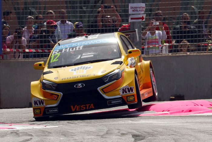 Трековая версия седана уже вовсю выступает в различных кузовных гоночных сериях