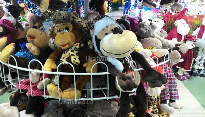 Мягкие игрушки-обезьяны от 259 до 1099 рублей