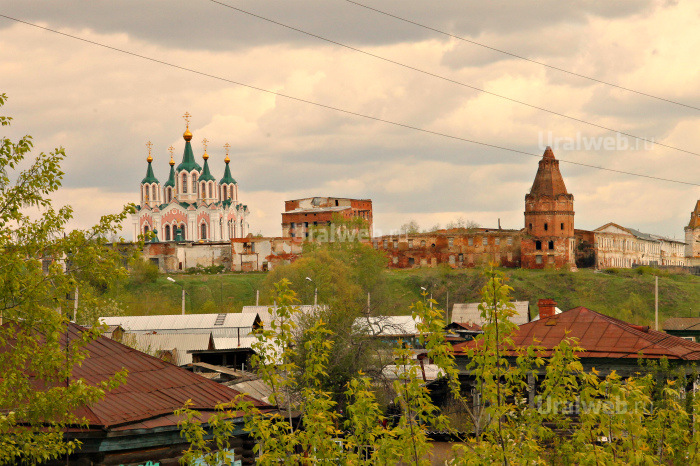 Вид на Далматовский монастырь с  р.Исети