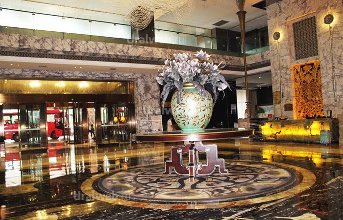 Роскошный холл отеля Sunshine 5*