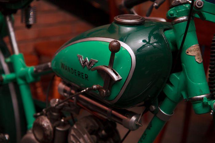 Ярко-зеленый Wanderer - одна из новинок музея, перекочевавшая на выставку из запасников коллекционера